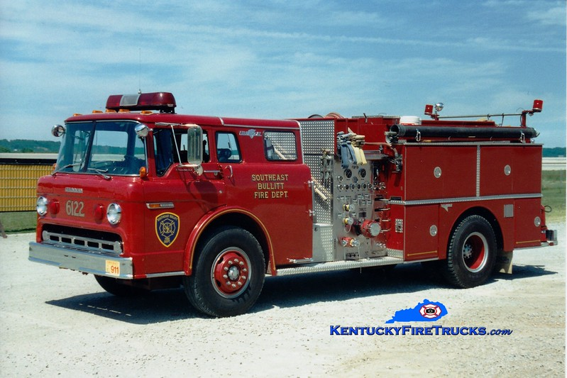 <center> RETIRED <br> Southeast Bullitt Engine 6122 <br> 1984 Ford C-8000/Grumman 1250/1000 <br> Greg Stapleton photo </center>