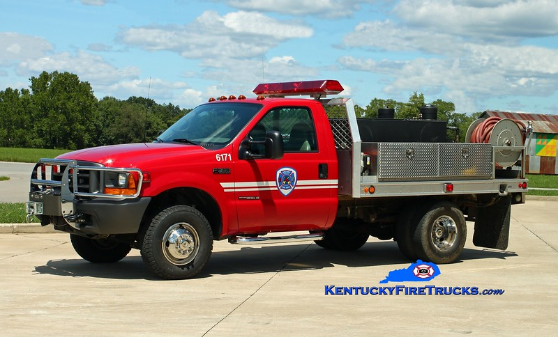 <center> Southeast Bullitt  Brush 6171 <br> 2000 Ford F-350 4x4/Fouts Bros 250/250 <br> Kent Parrish photo </center>