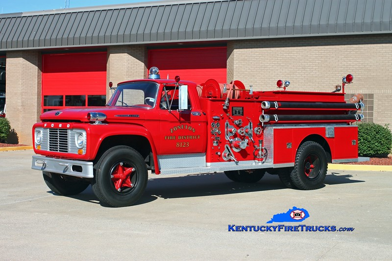<center> Zoneton  Antique Engine 8123 <br> 1961 Ford F-800/American LaFrance 750/0 <br> Kent Parrish photo </center>