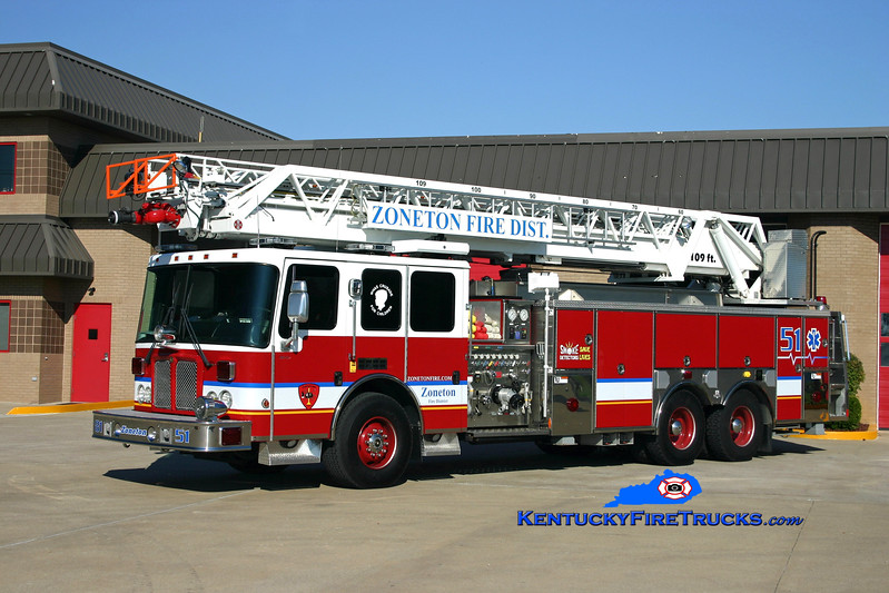 <center> Zoneton  Quint 8151 <br> 2005 HME Ahrens-Fox/RK 2000/500/109' <br> Kent Parrish photo </center>