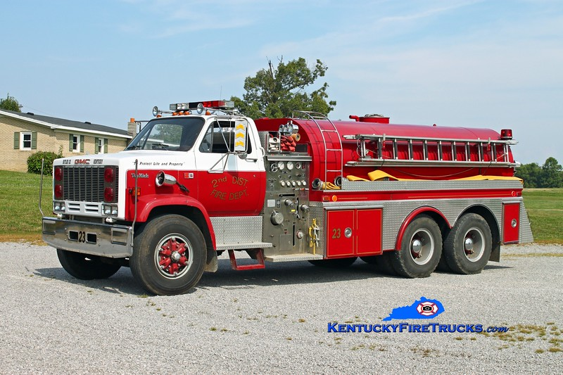 <center> 2nd District  Tanker 23  <br> 1984 GMC TopKick/4 Guys 1000/2500 <br> Kent Parrish photo </center>