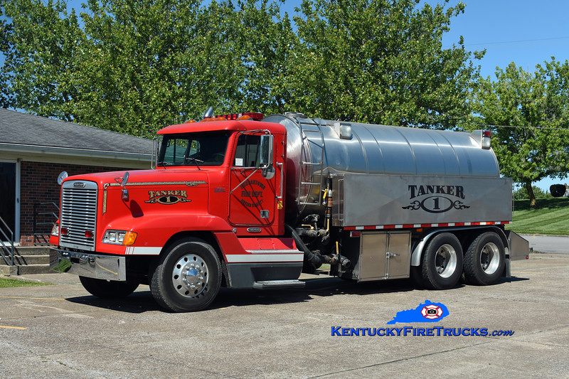 Morgantown  Tanker 1 <br /> 1999 Freightliner FLD120/Osco 250/3000<br /> Kent Parrish photo