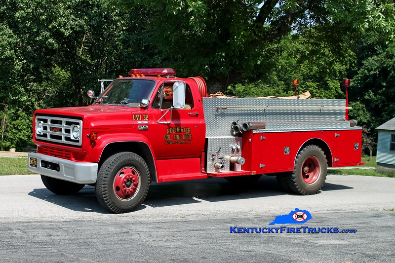 <center> Rochester  Engine 32 <br> 1978 GMC 6000/Wimpee's Welding 500/1000 <br> Kent Parrish photo </center>