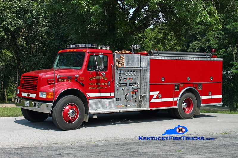 <center> Rochester  Engine 31 <br> 2000 International 4900/KME 1250/1000 <br> Kent Parrish photo </center>