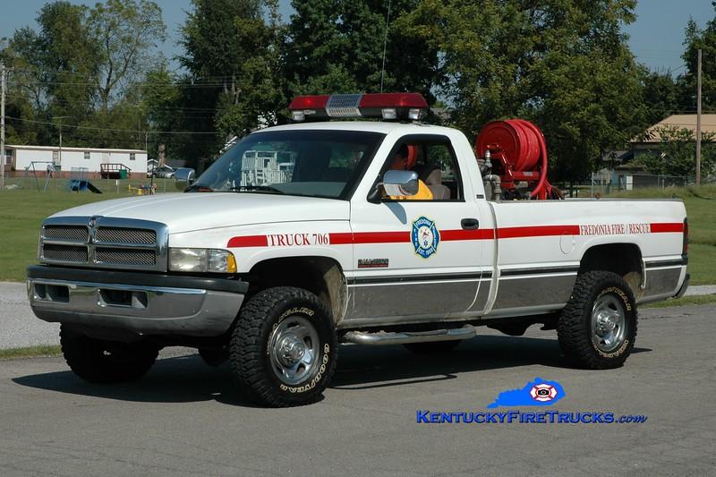 <center> Fredonia  Brush 706 <br> 1995 Dodge 2500 4x4/FFD 150/200  <br> Greg Stapleton photo </center>