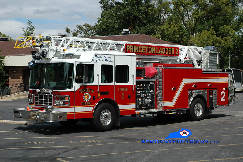 <center> Princeton  Ladder 2 <br> 2010 HME/Ferrara Ember 1500/500/77' <br> Greg Stapleton photo </center>