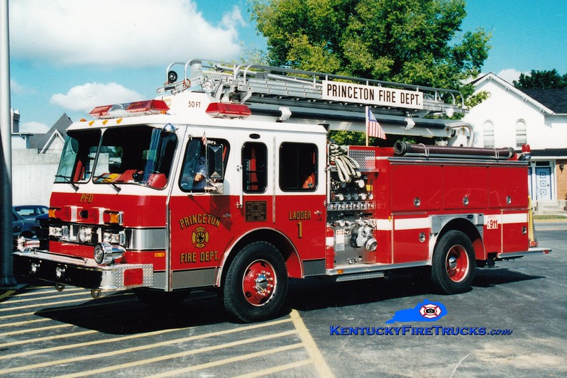 <center> Princeton  Ladder 1 <br> 1990 E-One Protector 1250/500/50' Teleboom <br> Greg Stapleton photo </center>