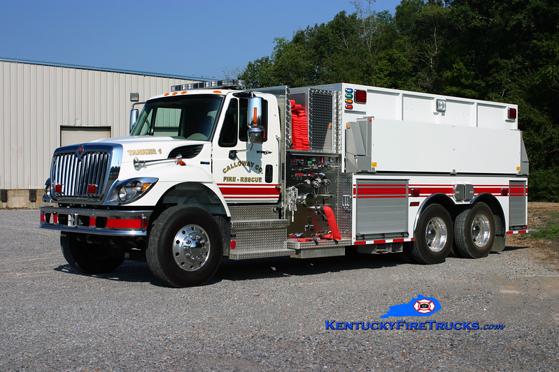 <center> Calloway County Tanker 1 <br> 200 International 7400/Summit 1250/3000 <br> Kent Parrish photo </center>