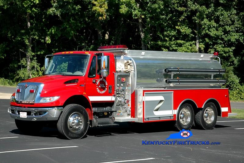 <center> Calloway County Tanker 112 <br> x-Tanker 7 <br> 2013 International 7400/Amthor 500/3000 <br> Greg Stapleton photo </center>