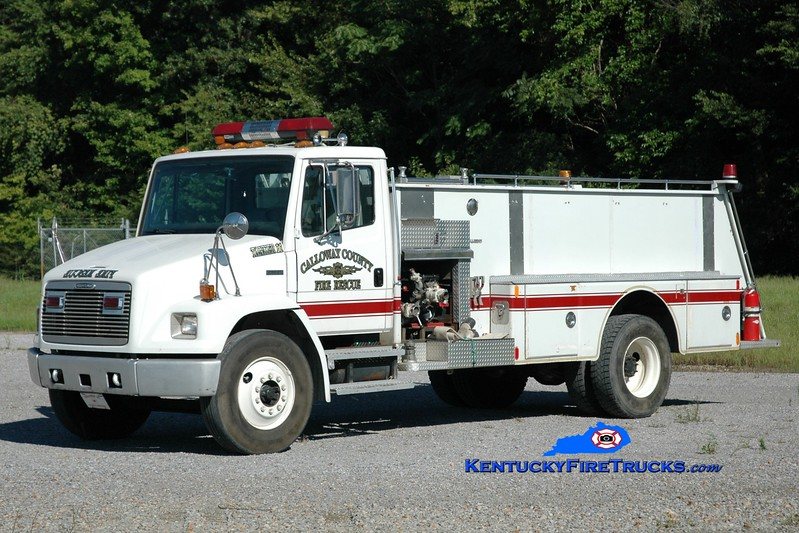 <center> Calloway County Tanker 2 <br> x-Tanker 11 <br> 1998 Freightliner FL70/Stinebaugh/FD 250/1500 <br> Greg Stapleton photo </center>