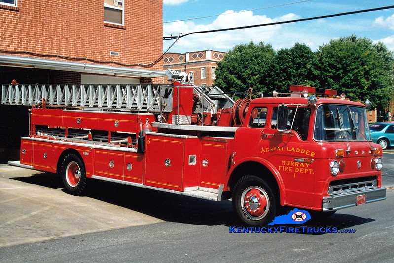 <center> RETIRED <br> Murray  x-Ladder 1 <br> 1973 Ford C-900/Pirsch 85' <br> Greg Stapleton photo </center>