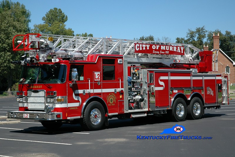 <center> Murray  Ladder 2 <br> 2014 Pierce Arrow XT 2000/500/100'  <br> Greg Stapleton photo </center>
