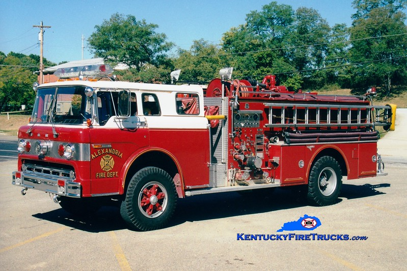 <center> RETIRED <br> Alexandria  Engine 102  <br> 1978 Ford C-900/Grumman-Howe 1250/1000 <br> Greg Stapleton photo </center>