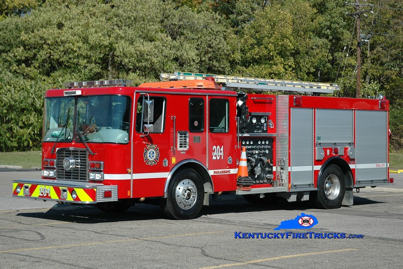 <center> RETIRED <br> Bellevue-Dayton Engine 201 <br> x-Bellevue, KY  <br> 1996 HME/Ferrara/2009 Summit 1500/750 <br> Greg Stapleton photo </center>