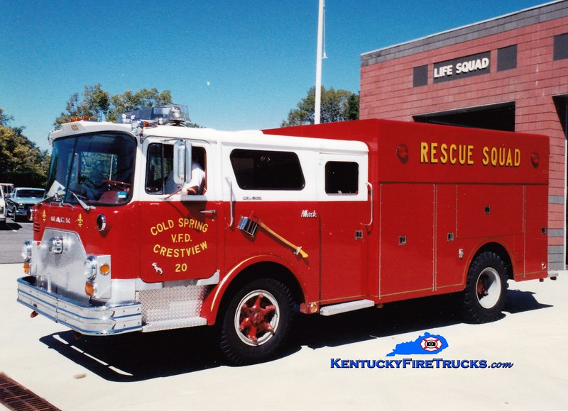 <center> NO LONGER IN SERVICE <br> Cold Spring-Crestview Rescue 20 <br> x-FDNY <br> 1971 Mack CF/1982 Summit  <br> Greg Stapleton photo </center>