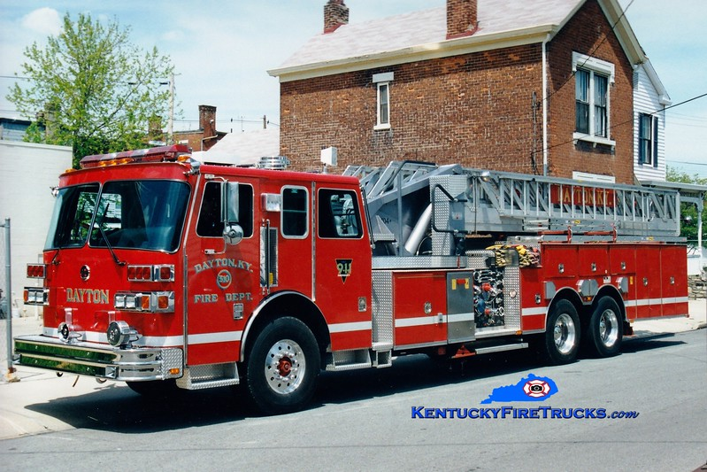 <center> Presently with the Bellevue-Dayton FD <br> Dayton Truck 510  <br> 1994 Sutphen 1500/350/104'  <br> Greg Stapleton photo </center>