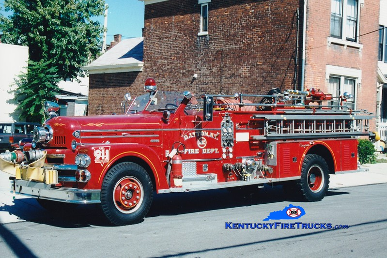 <center> NO LONGER IN SERVICE <br> Dayton Engine 502  <br> x-St Matthews, KY <br> 1963 Seagrave Anniversay Series 1000/300 <br> Greg Stapleton photo </center>