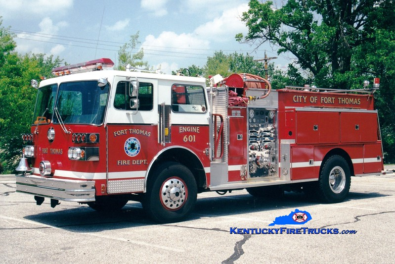 <center> NO LONGER IN SERVICE <br> Fort Campbell  Engine 601  <br> 1983 Sutphen Deluge 1250/750 <br> Kent Parrish photo </center>