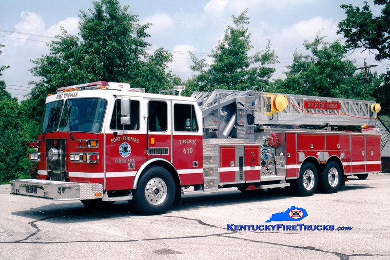 <center> Fort Campbell  Truck 610  <br> 2002 Sutphen 1500/500/104' <br> Greg Stapleton photo </center>
