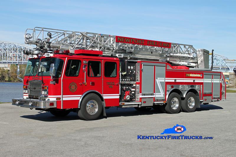 <center> Newport  Truck 911  <br> 2010 E-One Cyclone II 2000/300/100'  <br> Kent Parrish photo </center>