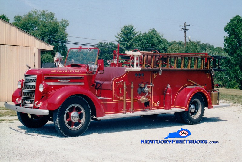 <center> RETIRED <br> Southern Campbell  Engine 1 <br> 1945 Mack Type 45 500/200 <br> Greg Stapleton photo </center>