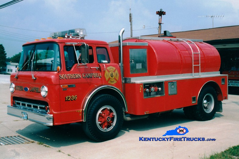 <center> Southern Campbell  Tanker 1236  <br> 1986 Ford C-8000/Ohio Truck  450/2000 <br> Greg Stapleton photo </center>
