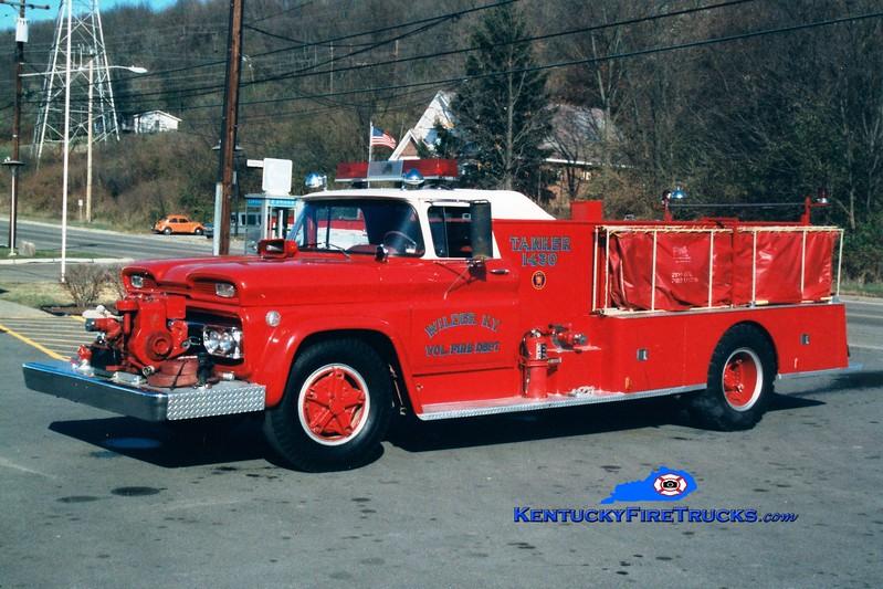 <center> RETIRED <br> Wilder  Tanker 1430 <br> 1961 GMC/Chiefs' Fire Apparatus 250/1400 <br> Greg Stapleton photo </center>