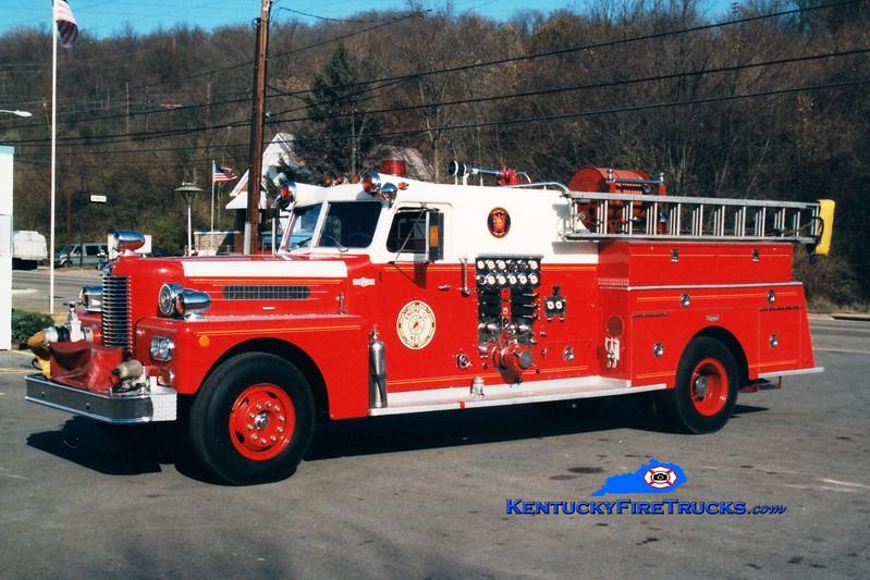 <center> RETIRED <br> Wilder  Engine 1402 <br> x-Sharonville, OH <br> 1970 Pirsch 1250/300 <br> Greg Stapleton photo </center>