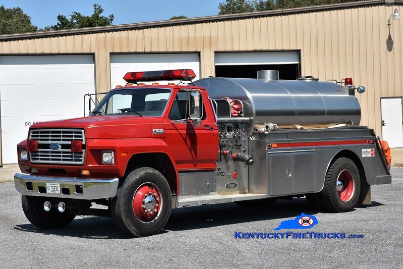 Bardwell  Tanker 202<br /> 1990 Ford F-800/Semo 500/1800<br /> Greg Stapleton photo