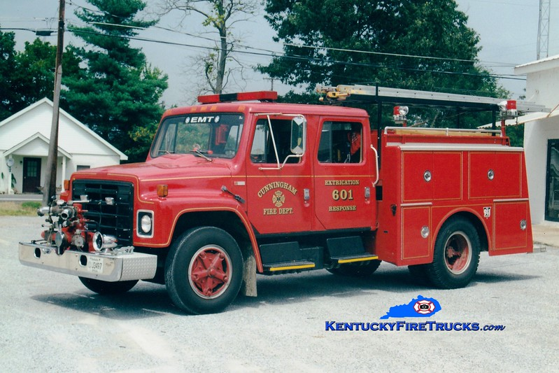 <center> RETIRED <br> Cunningham  Rescue 601  <br> 1980 International/1992 Local/1974 American LaFrance 500/500 <br> Greg Stapleton photo </center>