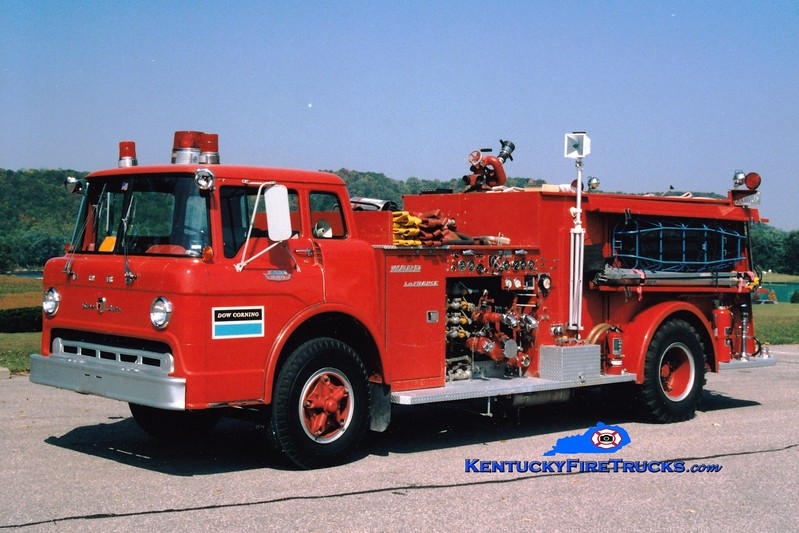 <center> RETIRED <br> Dow Corning  Engine 4  <br> 1967 Ford C/Ward LaFrance 1000/500/500F <br> Greg Stapleton photo </center>