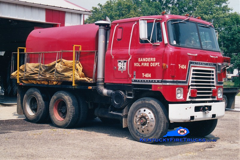 RETIRED<br /> Sanders  Tanker 404<br /> 1977 International Transtar/Local 0/2500<br /> Greg Stapleton photo