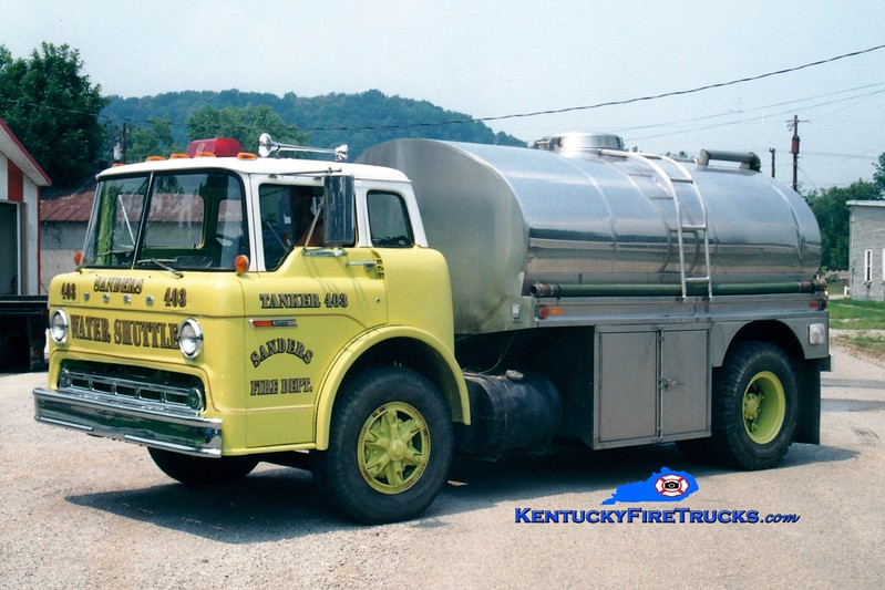 <center> RETIRED <br> Sanders  Tanker 403  <br> x-Union, KY <br> 1978 Ford C/Bluegrass 0/1500 <br> Greg Stapleton photo </center>