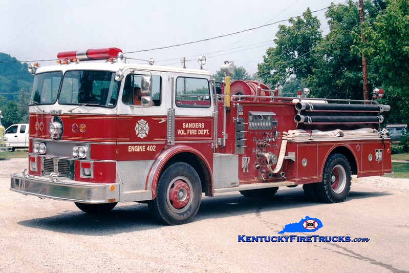 <center> RETIRED <br> Sanders  Engine 402  <br> x-Alexandria, KY <br> 1972 Duplex/Howe 1000/750 <br> Greg Stapleton photo </center>