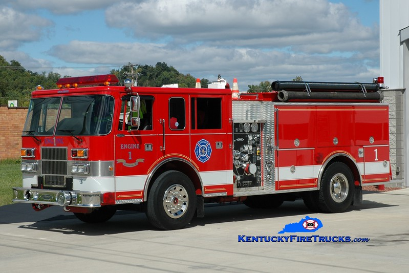 <center> Grayson  Engine 1 <br> x-Ridgeley, WV <br> 1994 Pierce Saber 1500/1000 <br> Greg Stapleton photo </center>