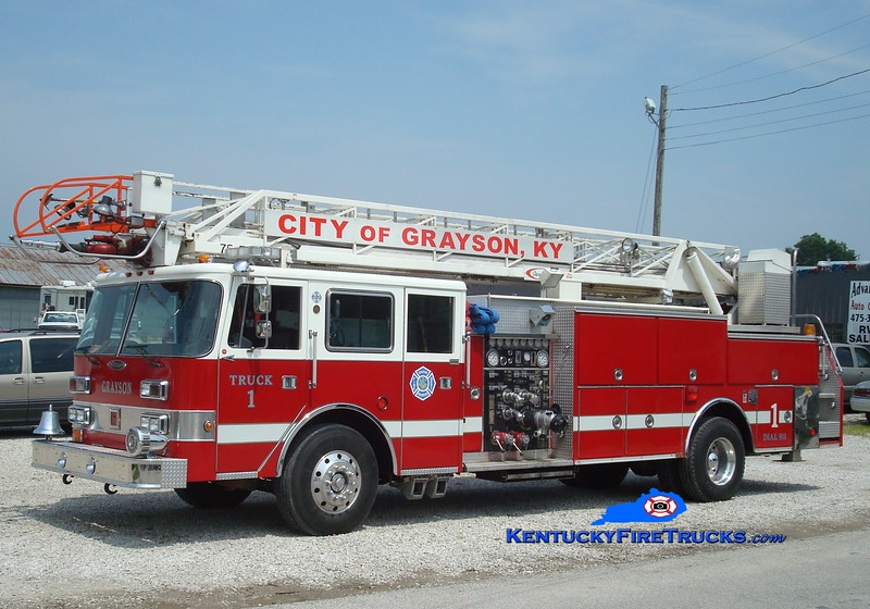 <center> Grayson Truck 1 <br> x-Greenwood, IN <br> 1988 Pierce Arrow 1500/300/75' <br> Greg Stapleton photo </center>