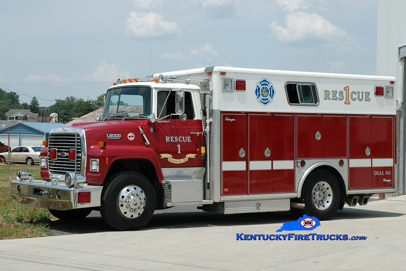 <center> RETIRED <br> Grayson  Rescue 1 <br> x-Alexandria, KY <br> 1990 Ford L8000/Ranger <br> Greg Stapleton photo </center>