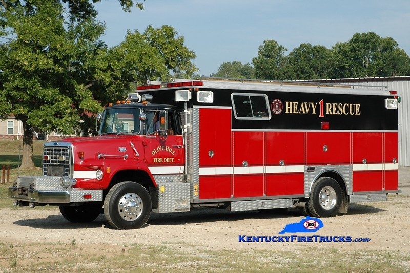<center> Olive Hill  Rescue 1 <br> x-Florence, KY <br> 1988 Ford LS9000/Saulsbury  <br> Greg Stapleton photo </center>