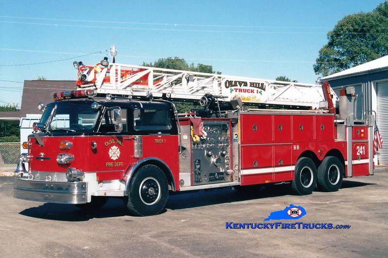 <center> RETIRED <br> Olive Hill  Truck 1 <br> x-Broadview, IL <br> 1977 American LaFrance Century 1500/200/102' <br> Greg Stapleton photo </center>