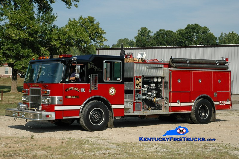 <center> Olive Hill  Engine 2 <br> x-Scott County, KY <br> 1991 Pierce Dash 1500/1000 <br> Greg Stapleton photo </center>