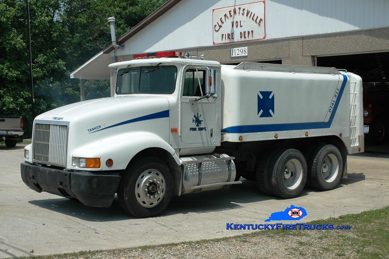 <center> Clementsville  Tanker 4  <br> 1994 Kenworth/Kari-Kool 250/2400 <br> Greg Stapleton photo </center>