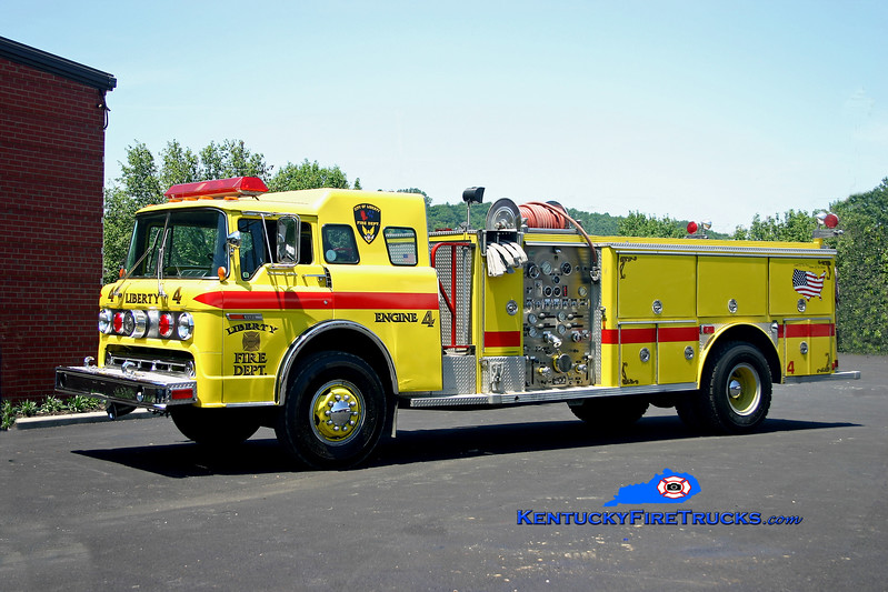 <center> Liberty  Engine 4 <br> x-Lawrence Twp, IN  <br> 1980 Ford C-8000/E-One 1250/1000 <br> Kent Parrish photo </center>