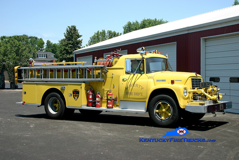 <center> Liberty  Engine 2 <br> 1973 International 1700/Sutphen 750/750 <br> Kent Parrish photo </center>