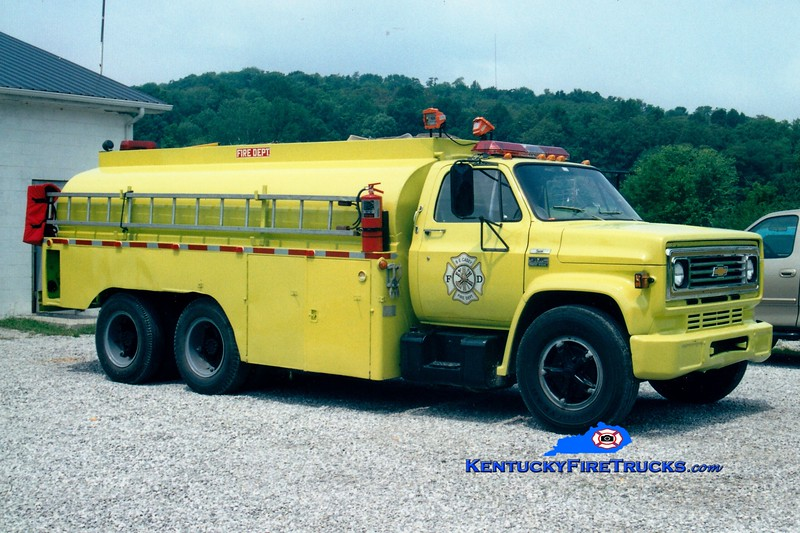 <center> FORMER <br> Southeast Casey  Tanker 9 <br> 1991 Mack CH/1977 Local 250/2400 <br> Greg Stapleton photo </center>