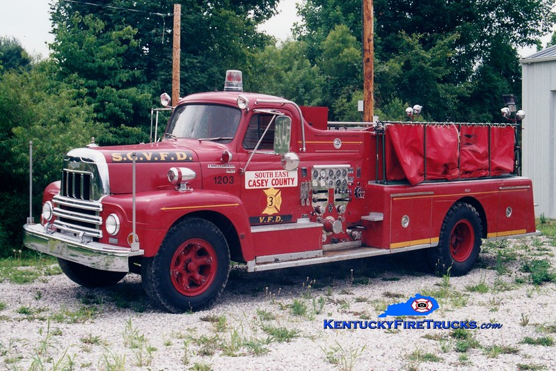 <center> RETIRED <br> Southeast Casey  Engine 3 <br> x-Highland Heights, KY <br> 1962 International R/Pirsch 750/300 <br> Greg Stapleton photo </center>