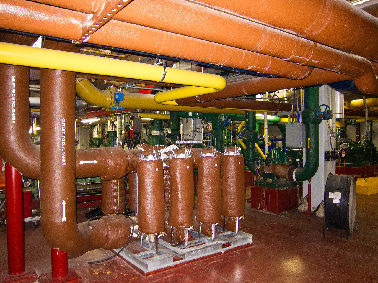 Pipes, lotsa pipes! This is the pump room.