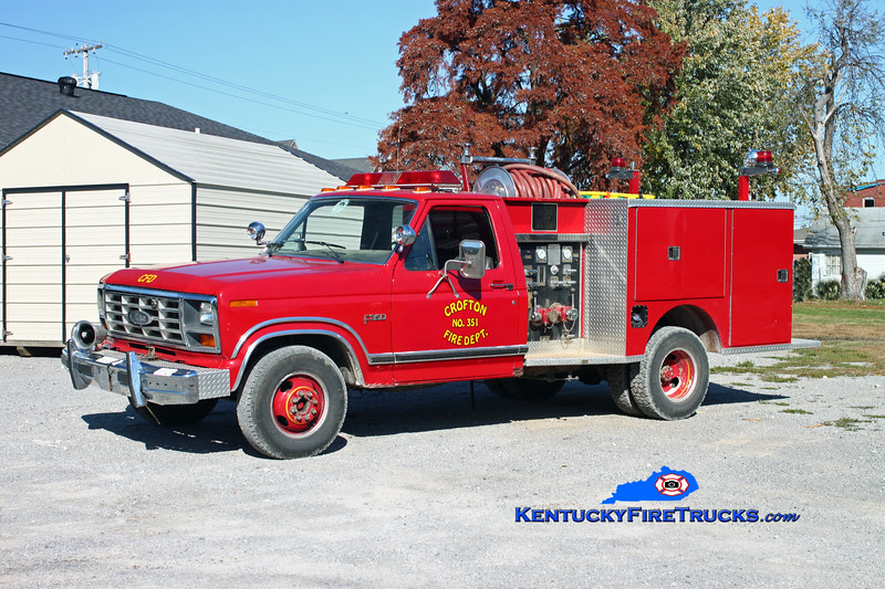 <center> RETIRED <br> Crofton  Rescue 351  <br> x-Hopkinsville, KY <br> 1984 Ford F-350 4x4/Pierce 300/250 <br> Kent Parrish photo </center>