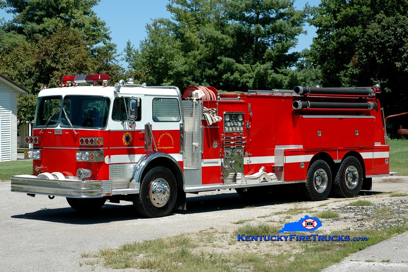 <center> Fairview  Engine 561 <br> x-Bath Twp, Lima, OH <br> 1981 Sutphen Deluge 1500/3000  <br> Greg Stapleton photo </center>