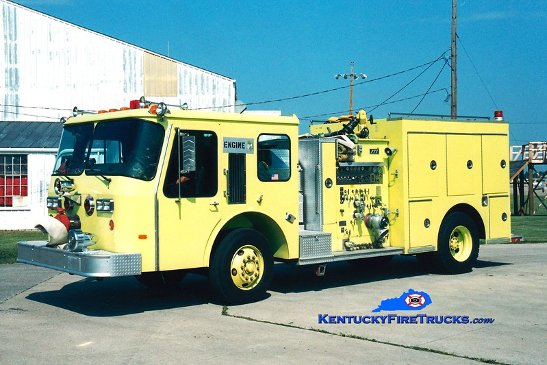 <center> RETIRED <BR> Fort Campbell  Engine 7  <br> 1989 E-One Cyclone/FTI 1000/500 <br> Greg Stapleton photo </center>
