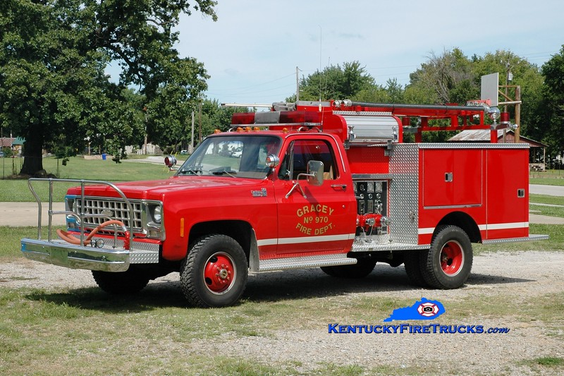 <center> Hopkinsville  Attack 970 <br> x-Parma Sandstone, MI <br> 1981 Chevy C30 4x4/Pierce 400/240 <br> Greg Stapleton photo </center>